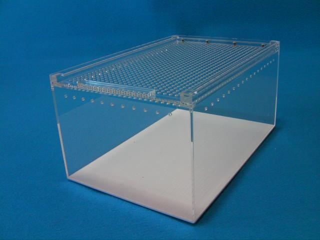 レプタイルボックス(幅20×奥30×高さ15.5cm) マグネットロック式